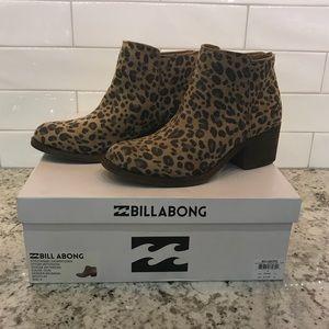4f895f624153 Billabong Shoes - [Billabong] Downtown Leopard Suede Zip Ankle Boots